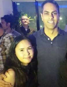 ramit, me photobomber